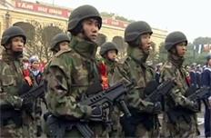 Hình ảnh Hải quân đánh bộ với trang phục và vũ khí hiện đại đang gây sốt trên mạng.