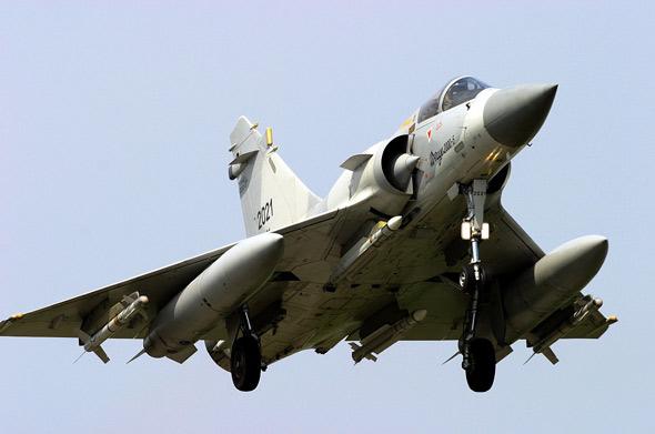Máy bay chiến đấu Mirage 2000-5 do Pháp sản xuất. Ấn Độ sở hữu loại máy bay này.
