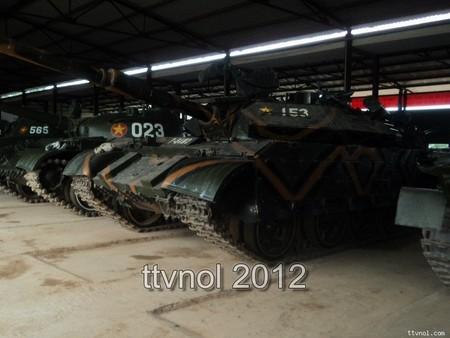 Xe tăng T-55M3 số hiệu 153, đứng bên cạnh nó là xe tăng T-62 số hiệu 023, T-62 cũng rất ít khi xuất hiện trên các trang mạng, diễn đàn Việt Nam. Nguồn: TTVNOL