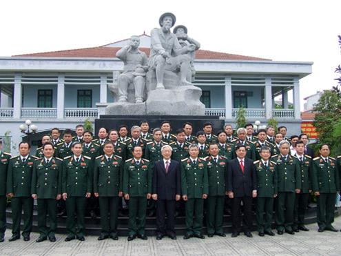 Tổng bí thư Nguyễn Phú Trọng thăm Tổng cục 2, Bộ Quốc phòng