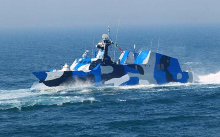 Tàu cao tốc tên lửa tàng hình Type 022 lớp Hồ Bắc được trang bị tổ hợp tên lửa Yj-83.