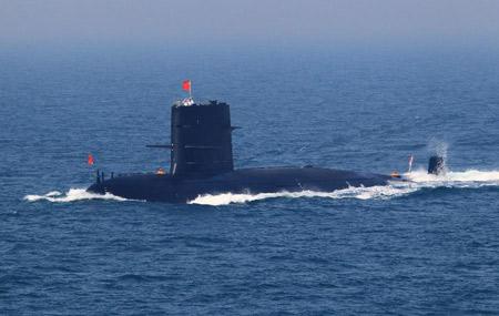 Tàu ngầm chạy động cơ điện - diesel lớp Tống (Type 039G) được trang bị tên lửa chống tàu Yj-83 và ngư lôi.