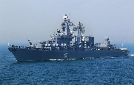 """""""Ngội sao"""" cuộc tập trận - tuần dương hạm Varyag (lớp Slava, project 1164), đây là một trong những chiến hạm lớn nhất trên thế giới. Varyag có lượng giãn nước lên tới 12.500 tấn, dài 184,6m, thủy thủ đoàn 485 người."""