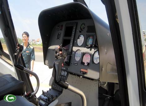 Buồng lái của máy bay EC 120