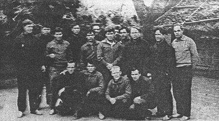 Nhóm chuyên gia Liên Xô sang Việt Nam năm 1966. Ảnh: Internet