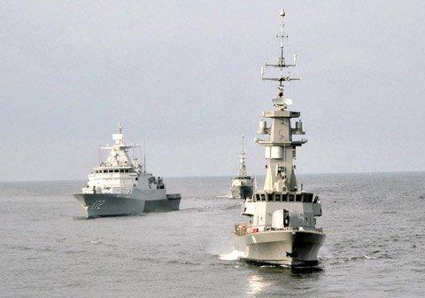 Hải quân Singapore và Malaysia tập trận chung trên eo biển Malacca