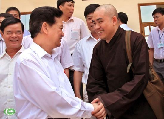 Thủ tướng Nguyễn Tấn Dũng gặp gỡ đại biểu cử tri huyện Thủy Nguyên.