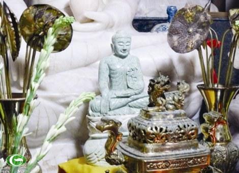 Tượng Phật ngọc do Thủ tướng tặng chùa Trường Sa lớn.