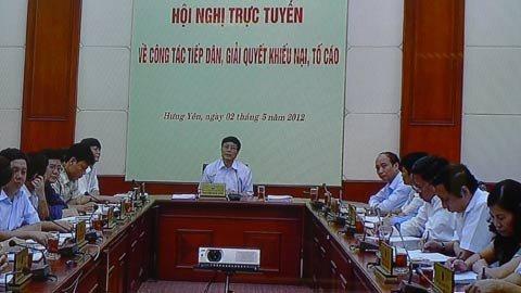 Phó Chủ tịch thường trực UBND tỉnh Hưng Yên Nguyễn Khắc Hào báo cáo Thủ tướng vụ cưỡng chế, thu hồi đất ở huyện Văn Giang. Ảnh: Chung Hoàng