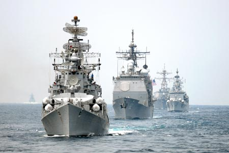 Biển Đông đang là điểm đến của nhiều tàu chiến các nước. Ảnh: Atlantic Sentinel.