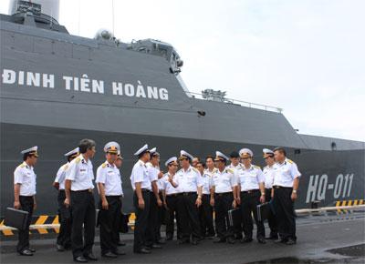 Tàu Đinh Tiên Hoàng của Hải quân nhân dân ViệtNam