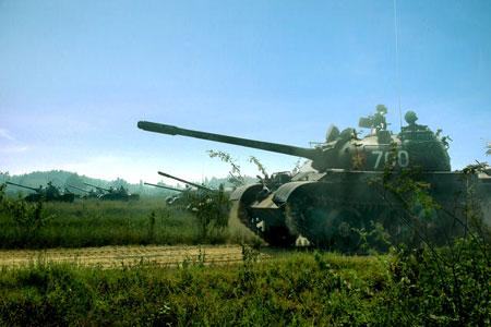 Đơn vị xe tăng T-54 Huấn luyện bắn đạn thật tại Trung tâm huấn luyện tổng hợp Tăng - Thiết giáp.