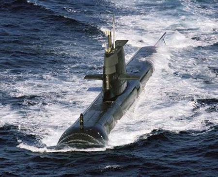HMAS Farncomb SSG 74 của Austraulia.