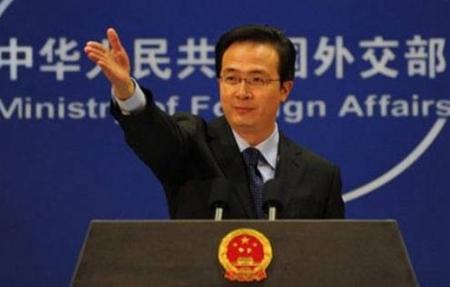 Thái độ tự tin thái quá của Trung Quốc thường được thể hiện qua những tuyên bố của Hồng Lỗi, người phát ngôn Bộ Ngoại giao Trung Quốc. Ảnh THX