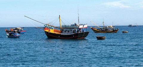 Ngư dân Việt Nam đang hoạt động ở ngư trường truyền thống Trường Sa
