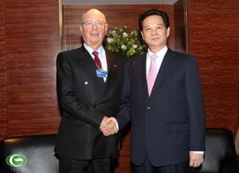 Thủ tướng Nguyễn Tấn Dũng tiếp Chủ tịch Diễn đàn kinh tế Thế giới Klaus Schwab.