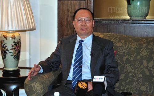 """Trưởng đoàn Trung Quốc dự đối thoại Shangri-La 11, trung tướng Nhiệm Hải Tuyền. Bằng việc hạ cấp độ trưởng đoàn cũng như một loạt động thái trước, trong và sau đối thoại Shangri-La, Bắc Kinh dường như đang muốn """"hạ bệ"""" ảnh hưởng của đối thoại này nhưng đó là điều phi thực tế"""