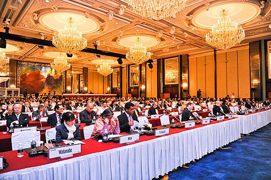 Không chỉ thành công trong việc tổ chức đối thoại Shangri-La và biến nó thành diễn đàn an ninh số một trong khu vực châu Á - Thái Bình Dương hiện nay, Singapore còn nỗ lực đón đầu xu thế, phát triển thành trung tâm trọng tài quốc tế trong bối cảnh nguy cơ mâu thuẫn, xung đột lợi ích ngày càng dâng cao