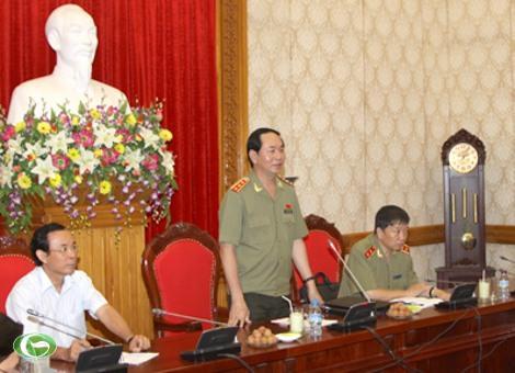Đồng chí Trần Đại Quang: Phát triển vùng Tây Nguyên toàn diện, bền vững phải trên nền tảng bảo đảm quốc phòng, an ninh; giữ vững ổn định chính trị, xã hội và bảo vệ vững chắc chủ quyền, an ninh biên giới.