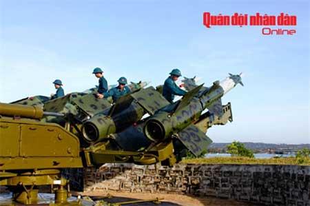 Bảo quản đạn tên lửa tổ hợp S-125.