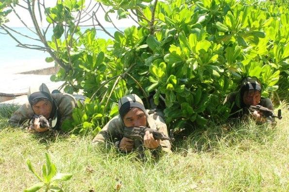 Luyện tập đổ bộ, bảo vệ chủ quyền trên quần đảo Trường Sa