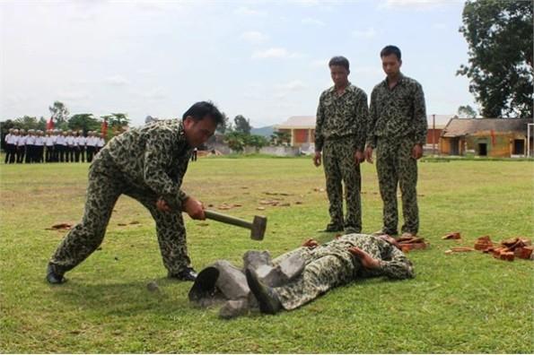 Dày công luyện tập, đặc công hải quân là lực lượng đáng tự hào của quân chủng hải quân Việt Nam