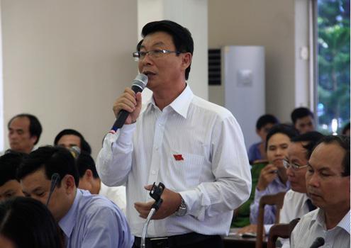Các đại biểu phát biểu tại kỳ họp HĐND Đà Nẵng chiều 3/7. Ảnh: Nguyễn Đông