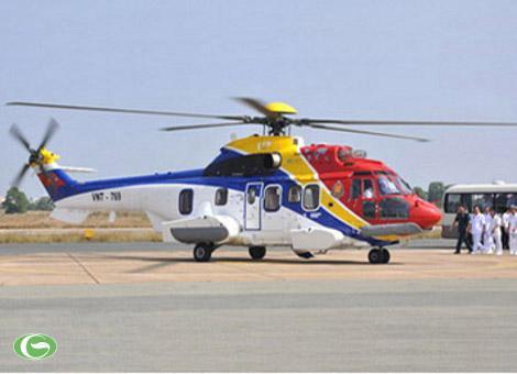 EC225 Super Puma Mk II là trực thăng vận tải tầm xa do Hãng Eurocopter (Pháp) cải tiến từ trực thăng AS332L2 Super Puma với một vài điểm khác biệt (thân, cánh quạt, hệ thống điện tử).