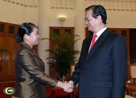 Thủ tướng Nguyễn Tấn Dũng tiếp Phó Thủ tướng thường trực Chính phủ Campuchia Men Sam An. (Ảnh: Đức Tám/TTXVN)