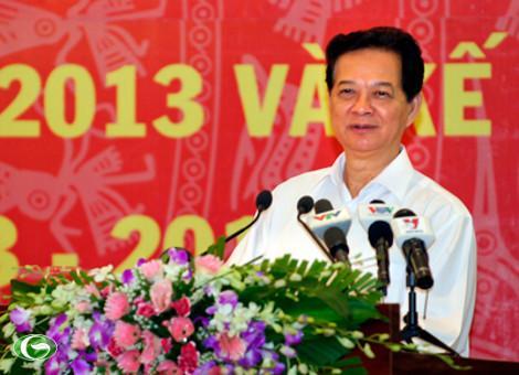 Thủ tướng Nguyễn Tấn Dũng: Phải tiếp tục thực hiện đồng bộ, hiệu quả các giải pháp để ổn định kinh tế vĩ mô, kiểm soát lạm phát