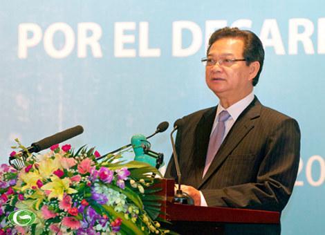 Thủ tướng Nguyễn Tấn Dũng đến dự và phát biểu chào mừng.