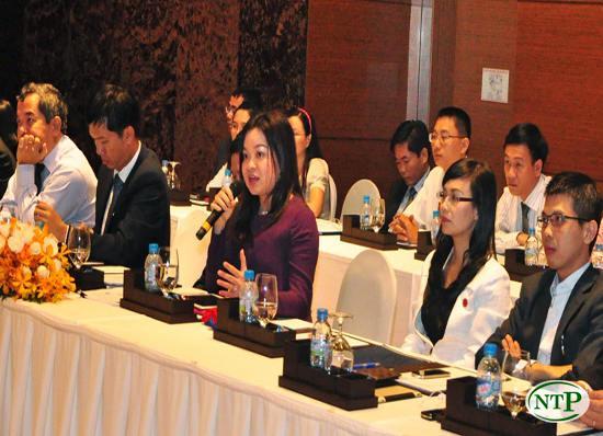 Bà Nguyễn Thanh Phượng tham dự buổi lễ