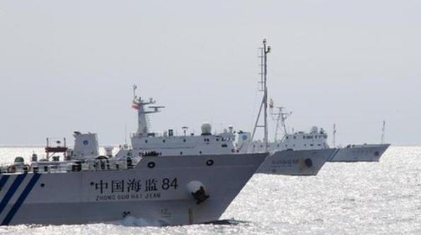 Các tàu tuần tra Trung Quốc dàn hàng ngang trong buổi diễn tập hôm 2-7 - Ảnh: THX