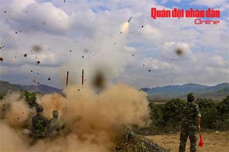 Bắn thử tên lửa vác vai Igla (Việt Nam gọi là A-87).