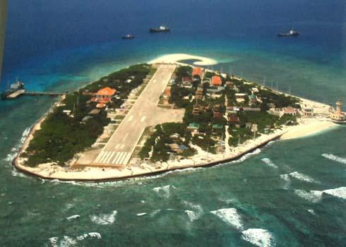 Đảo Trường Sa Lớn (quần đảo Trường Sa) nhìn từ trên cao