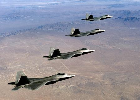 Một phi đội F-22 Raptor của không quân Mỹ. Ảnh commons.wikimedia.org