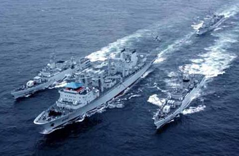 Một hải đội của hải quân Trung Quốc trong cuộc tập trận trên biển Hoa Đông, gần tỉnh Chiết Giang. Ảnh: People's Daily.