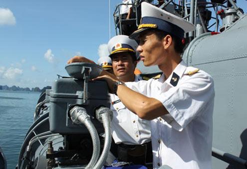 Sâu sát kiểm tra công tác huấn luyện, SSCĐ và bảo đảm kỹ thuật, là việc làm thường xuyên của lãnh đạo, chỉ huy các cấp ở Vùng 1 Hải quân, nhằm hướng tới mục tiêu cao nhất: người và vũ khí trang bị kỹ thuật luôn sẵn sàng hoàn thành xuất sắc mọi nhiệm vụ được giao.