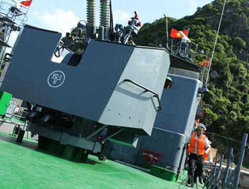 Luyện tập tình huống báo động chiến đấu đối không là hoạt động thường xuyên của bộ đội Hải quân, nhằm nâng cao khả năng SSCĐ.