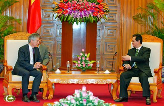 Chính phủ Việt Nam luôn ủng hộ các hợp tác giữa Bộ Quốc phòng hai nước