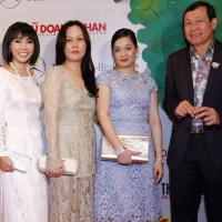 """Bà Nguyễn Thanh Phượng xuất hiện phá tan """"tin đồn"""""""