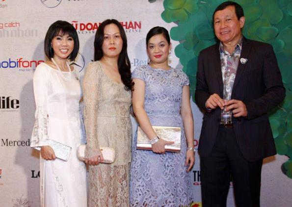 """Bà Nguyễn Thanh Phượng xuất hiện trong đêm ra mắt quỹ """"Hiểu Về Trái Tim"""" ngày 24/8"""