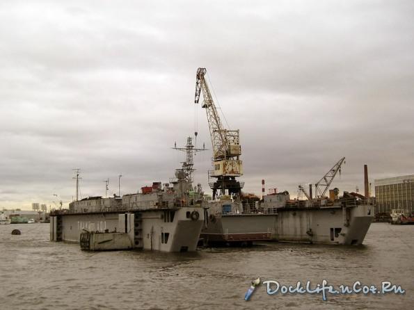 Hoàn thiện lắp đặt các hệ thống cần thiết cho tàu Svetlyak trên dock
