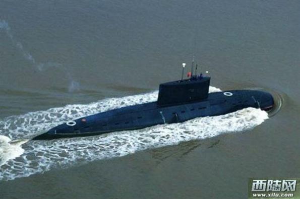 """Tàu ngầm Kilo 636 biệt danh là """"Hố đen"""" đây được xem là tàu ngầm có độ ồn khi hoạt động thấp nhất hiện nay."""