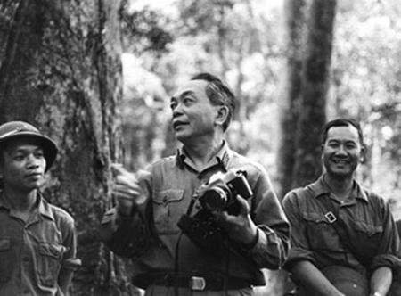 """Đại tướng, Nhà báo Võ Nguyên Giáp: """"Tôi thấy làm một số báo cũng giống như tổ chức một trận đánh hiệp đồng""""."""