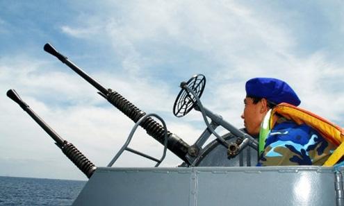 Lực lượng Cảnh sát biển tham gia tuần tra đa phần còn rất trẻ, nhưng nắm vững được chuyên môn, can trường và sẵn sàng thực hiện nhiệm vụ khi có lệnh.