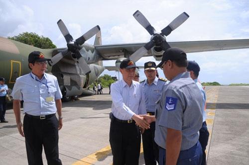 Đoàn quan chức Đài Loan đến đảo Ba Bình, vi phạm chủ quyền Việt Nam