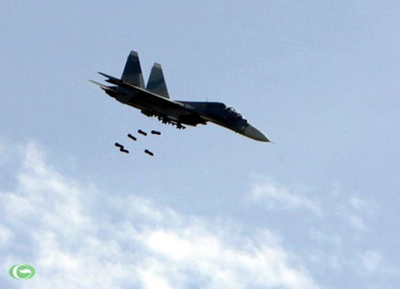 Cận cảnh SU-30 thả bom oanh tạc mục tiêu