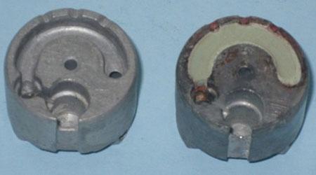 Thân tự hủy ngòi đạn 30mm khi chưa ép (trái) và đã ép (phải) thuốc cháy chậm.