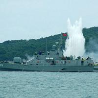 Báo Nga giới thiệu 2 loại tàu do Việt Nam tự đóng